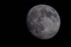 Erste Mondfotos mit Canon Eos 5d Mark II