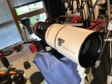 Rückläufer: TS-Optics PhotoLine 60 mm f/6 FPL53 Apo - 2 R&P Okularauszug - RED Line
