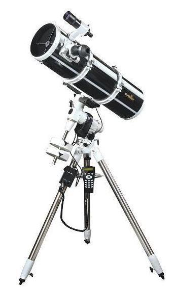 Skywatcher Explorer 200PDS 200/1000mm auf EQ5-PRO GoTo Montierung und 2