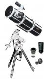The discoverer set: Explorer 200PDS + EQ6-R GoTo + zoom eyepiece + Barlow + var. lunar filter