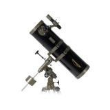 Ausstellung: Teleskop Omegon 150/750 Newton auf EQ-3 Montierung mit Zubehör