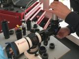 Zenitspiegel überprüfen wir an einem Referenz-Teleskop, welches perfekt justiert ist.