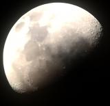 Mond mit Smartphone mit Skywatcher Explorer 200PDS und Parallaktische GoTo Montierung NEQ6-R SkyScan