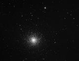 M13-Aufnahme mit Skywatcher Explorer-200PDS Newton Teleskop