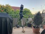 Eine Lösung um die Montierung mit Teleskop auf dem Balkon oder Terrasse auf Rollen/Räder/Reifen leicht verfahren zu können.