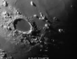 Gestern gab es ein paar Wolkenlücken,die ich mit meinem Maksutov am Mond genutzt habe.