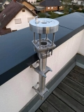 Beispiel einer kleinen Sternwarte auf dem Balkon mit Säule für die Montierung an der Brüstung